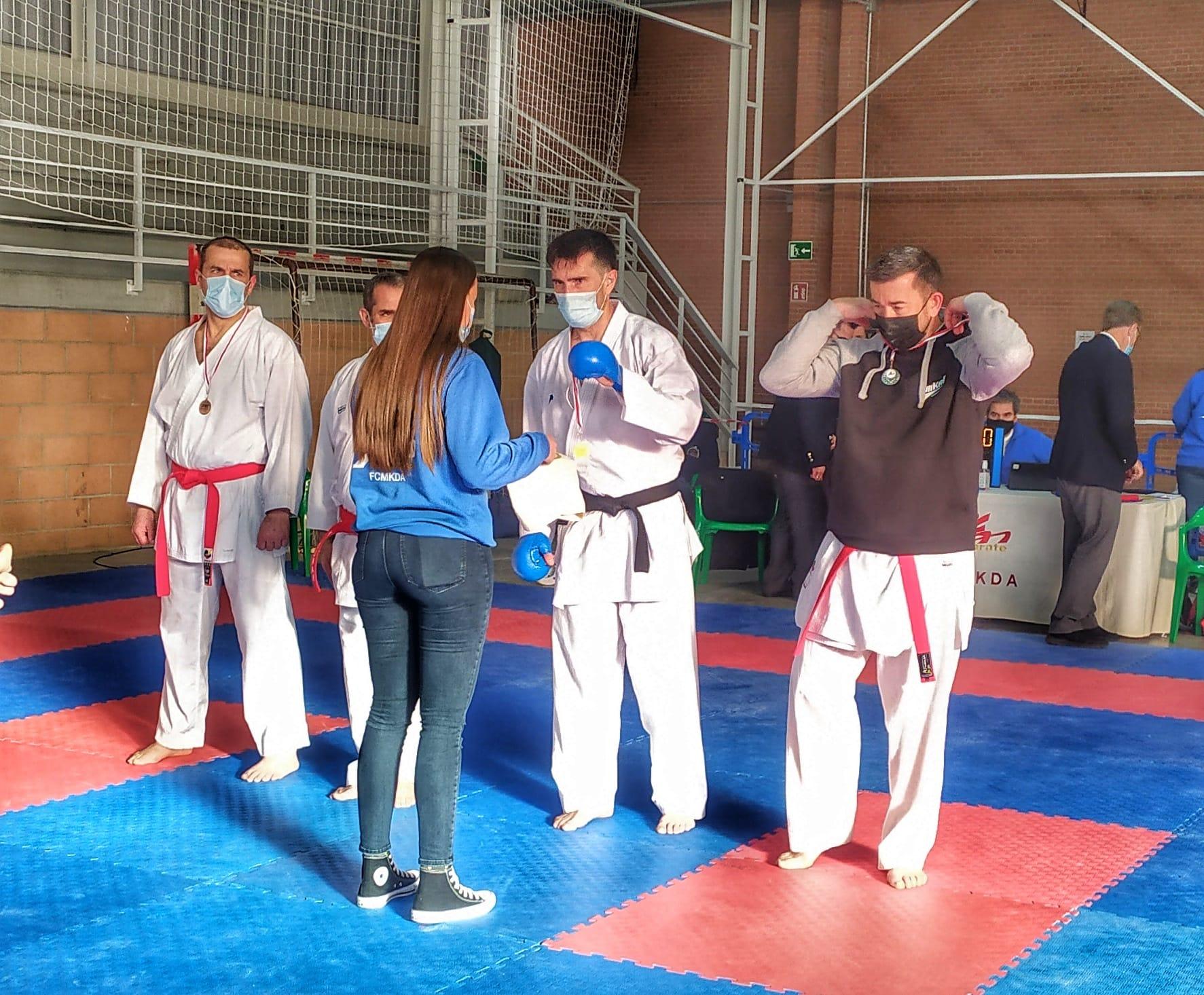 Subcampeones de Castilla la Mancha de Karate –  Veteranos en la modalidad Kumite Mora-Toledo